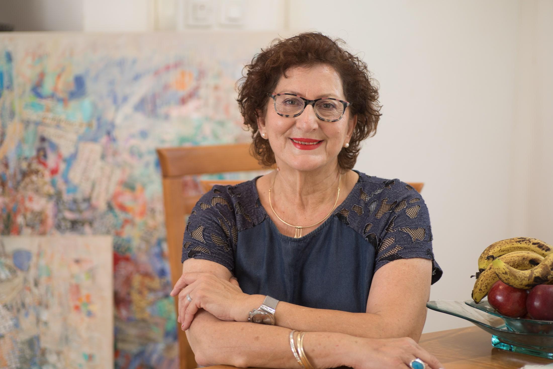 Artist portrait - Zahava Lupu